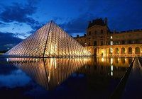 Louvre Night Screensaver